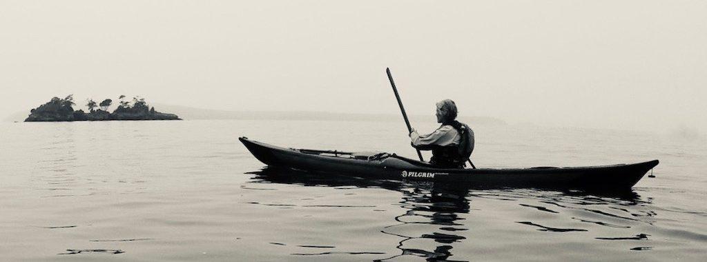 Solo Greenland paddler